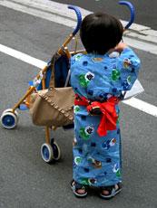 Japan_Boy-in-kimono_web.jpg