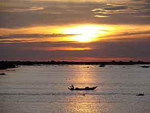 Cambodia_Mekong-River-sunset