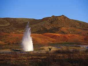 Iceland_Geysir-Hot-Spring_web.jpg