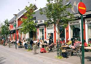 Iceland_Reykjavik_Street-Cafe_web.jpg