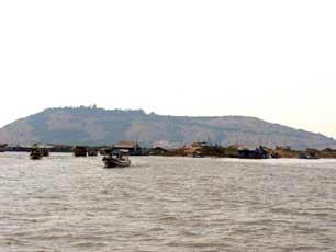 Cambodia_Mekong-River-day_web.jpg